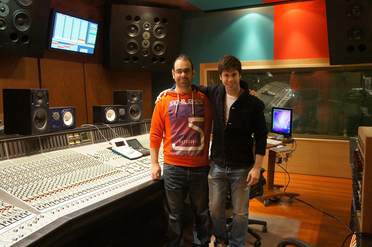 """Antonio Rivas con el ingeniero de sonido """"Caco Refojo"""" (Lady Gaga, Shakira, Paco de Lucía...)"""